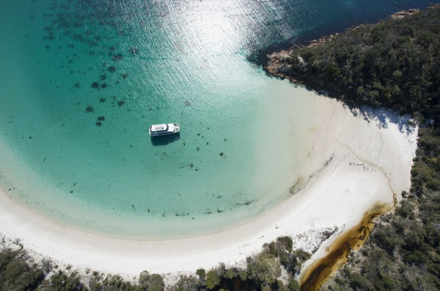 beach, Freycinet Peninsula, Wineglass Bay, 无人岛, 海滩, 菲欣纳半岛, 酒杯湾