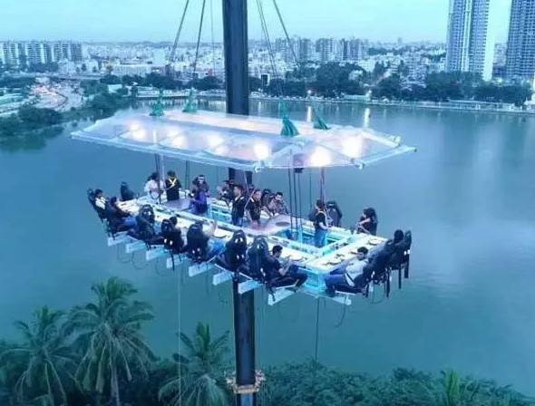 起重机,空中餐厅