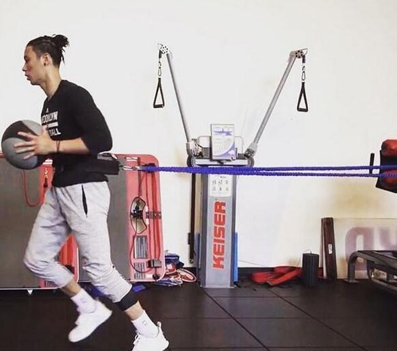 篮网台裔球星
