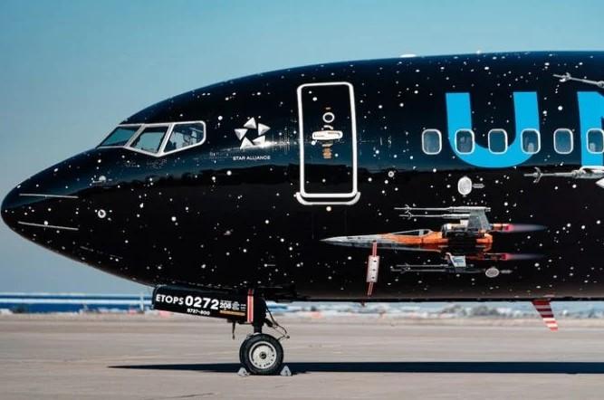 波音737-800客机