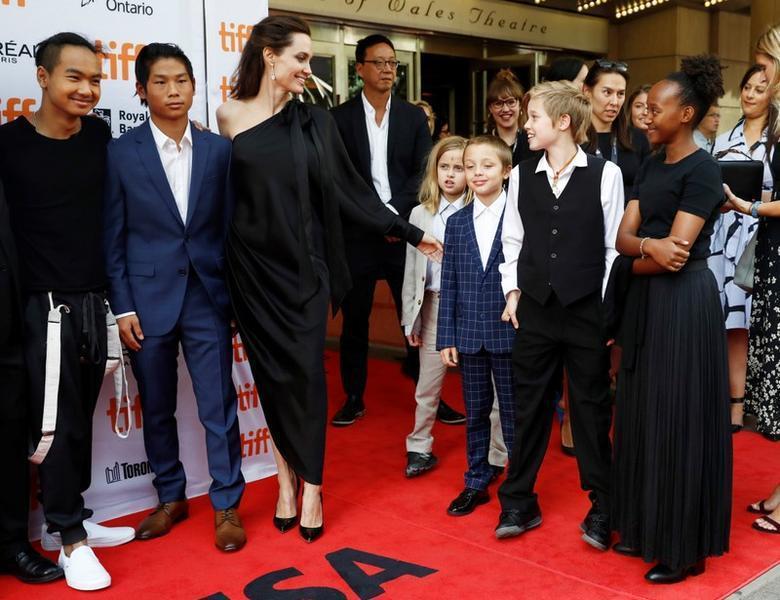 Angelina Jolie,Brad Pitt