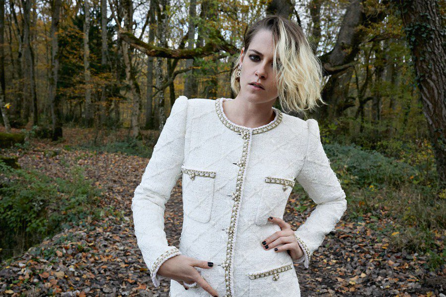 ,更被老佛爷(Karl Lagerfeld)相中成为Chanel品牌大使。